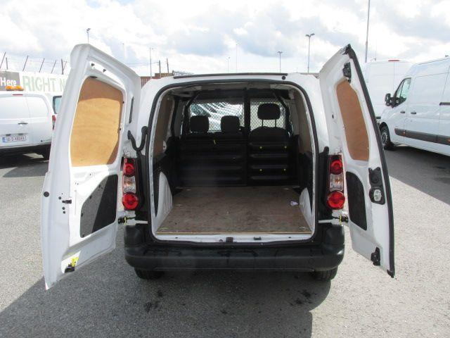 2015 Peugeot Partner HDI SE L1 850 (152D19645) Image 9