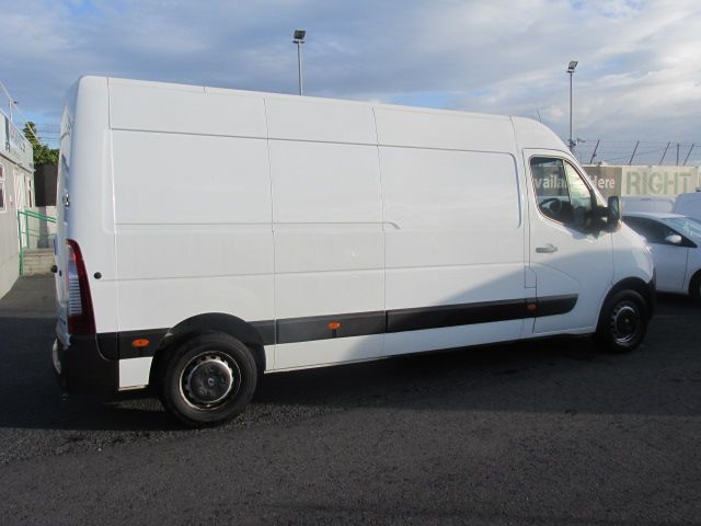 2015 Renault Master III FWD *SALE PRICE* (152D20247) Thumbnail 2
