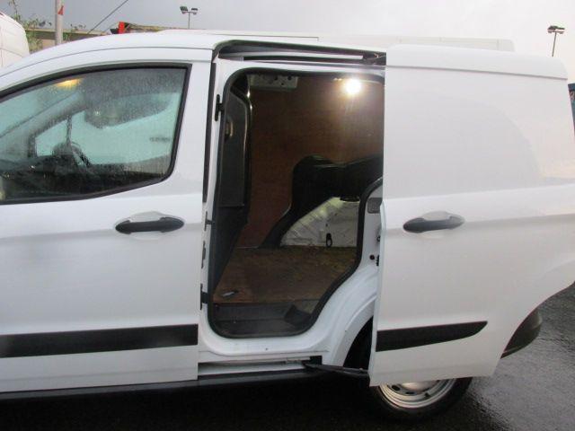 2015 Ford Transit Courier VAN Base 75PS 3DR (152D20916) Image 13