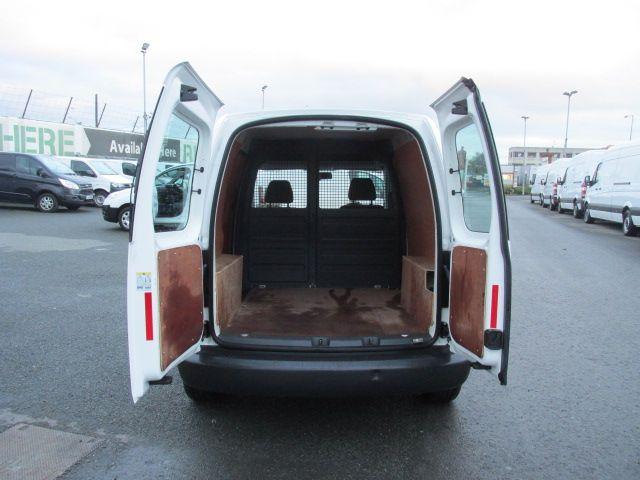 2015 Volkswagen Caddy C20 TDI STARTLINE (152D20932) Image 11