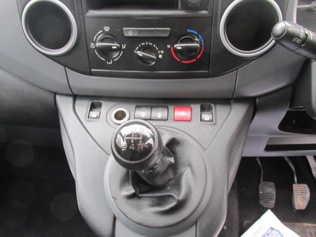 2015 Peugeot Partner Access 1.6 HDI 92 3DR (152D20941) Image 16