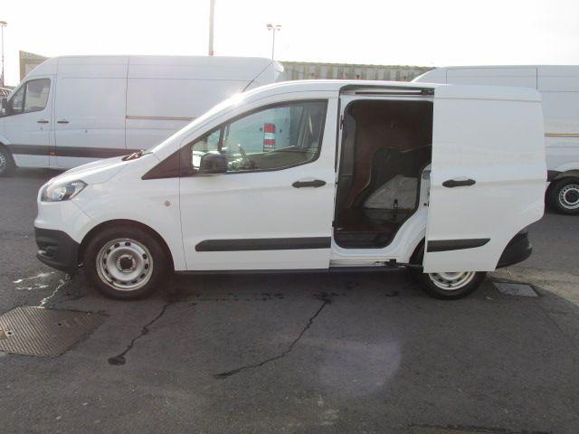 2015 Ford Transit Courier VAN BASE 75PS 3DR (152D21017) Image 10