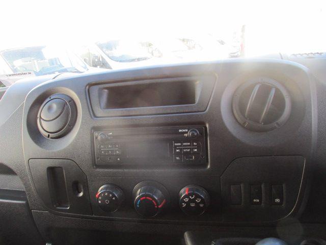 2015 Renault Master III RWD LML35 DCI 165 Energy Busin (152D21410) Image 15