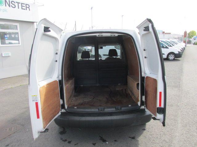 2015 Volkswagen Caddy C20 TDI STARTLINE (152D21445) Image 5