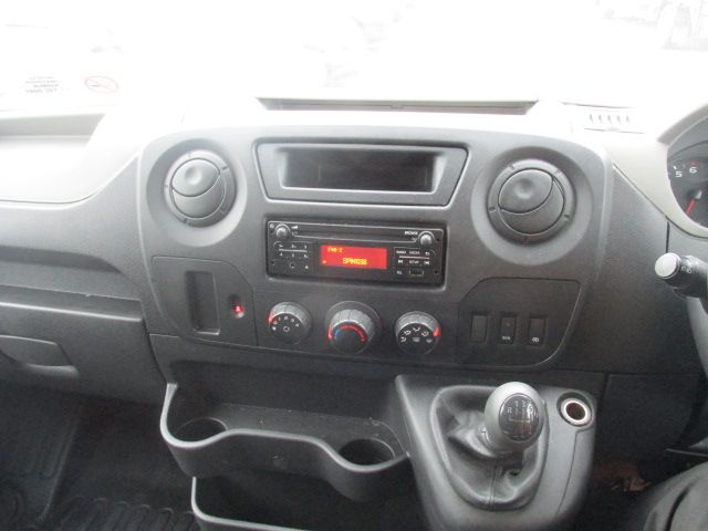 2015 Renault Master III RWD LML35 DCI 135 Energy Busin (152D21643) Image 15