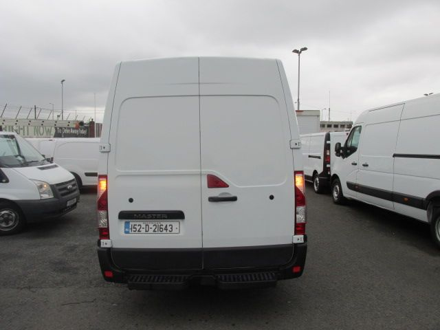 2015 Renault Master III RWD LML35 DCI 135 Energy Busin (152D21643) Image 4