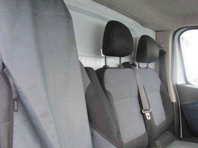 2015 Vauxhall Vivaro 2900 L2H1 CDTI P/V - LWB MODEL - Extras include Tow bar - Ply lining etc . (152D21903) Image 12