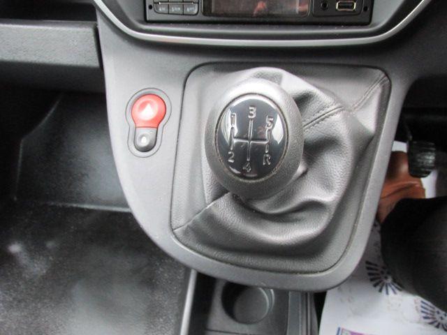 2015 Renault Kangoo 1.5 DCI 75BHP 2015 2DR (152D21983) Image 12