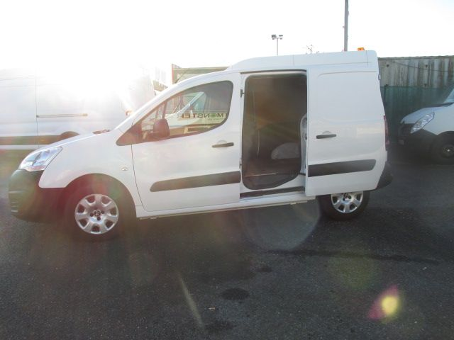 2015 Peugeot Partner Access 1.6 HDI 92 3DR - ONLY 5000 MILES - FULL SERVICE HISTORY - (152D22179) Image 10