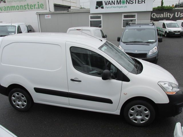 2015 Peugeot Partner HDI S L1 850 (152D22548) Image 2