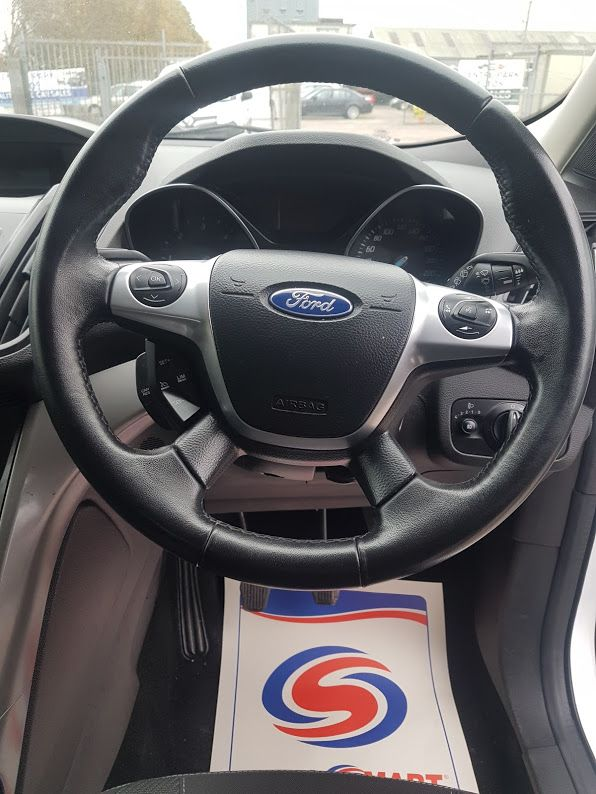 2015 Ford Kuga Commercial Zetec 2-seat 2.0 120PS FWD 4DR (152D22634) Image 6