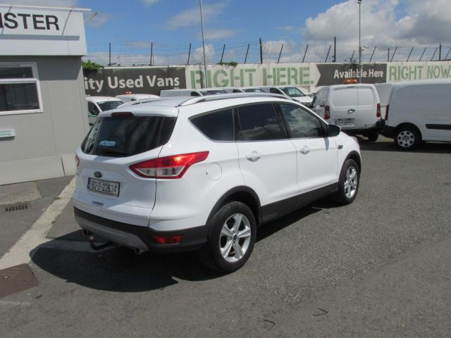 2015 Ford Kuga Commercial Zetec 2-seat 2.0 120PS FWD 4DR (152D22634) Image 3