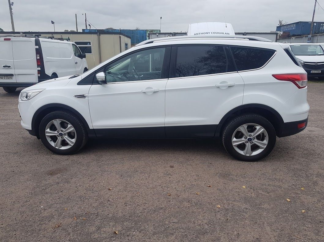 2015 Ford Kuga Commercial Zetec 2-seat 2.0 120PS FWD 4DR (152D22634) Image 15