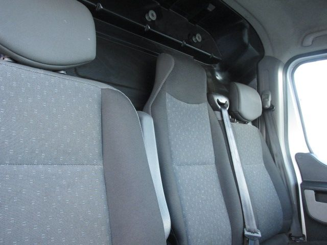2015 Vauxhall Movano R3500 L3H3 P/V CDTI (152D22993) Image 11