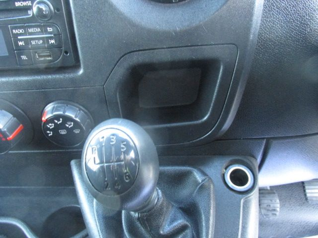 2015 Vauxhall Movano R3500 L3H3 P/V CDTI (152D22993) Image 13