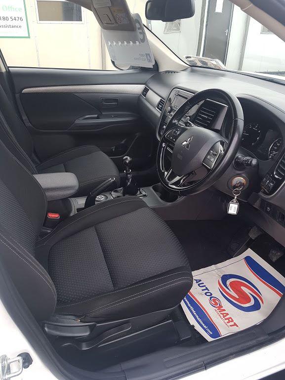 2015 Mitsubishi Outlander OUTLANDER 4WD 6MT N1 16MY 4DR (152D23100) Image 6