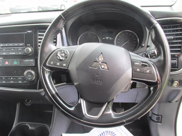 2015 Mitsubishi Outlander 4WD 6MT N1 16MY 4DR  - Selection from € 9950 - Hurry while stocks last -  (152D23102) Image 17