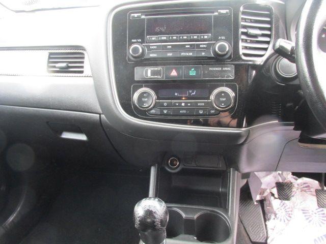 2015 Mitsubishi Outlander 4WD 6MT N1 16MY 4DR (152D23102) Image 14