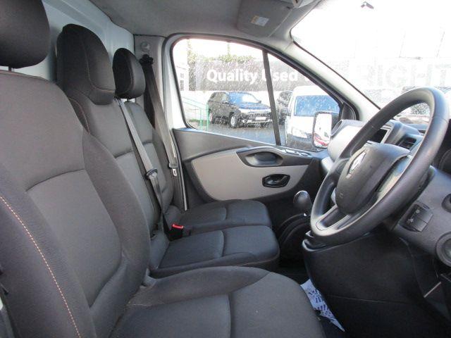 2015 Renault Trafic LL29 DCI 115 Business Panel VA (152D23156) Image 11