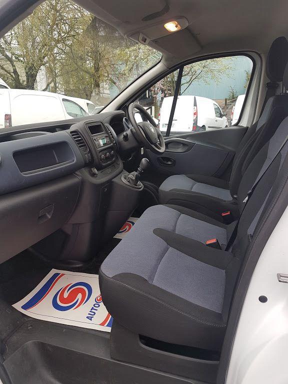 2015 Vauxhall Vivaro 2900 L2H1 CDTI P/V (152D23231) Image 14