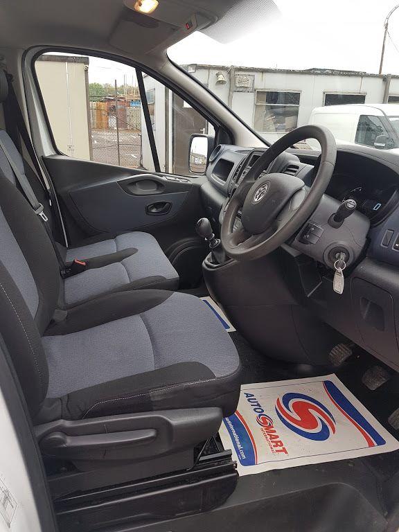 2015 Vauxhall Vivaro 2900 L2H1 CDTI P/V (152D23231) Image 6