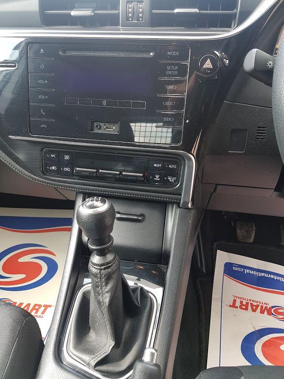 2015 Toyota Auris 1.4d-4d Terra 4DR (152D23354) Image 4