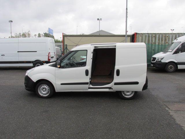 2015 Vauxhall Combo 2000 L1H1 CDTI (152D23460) Image 9