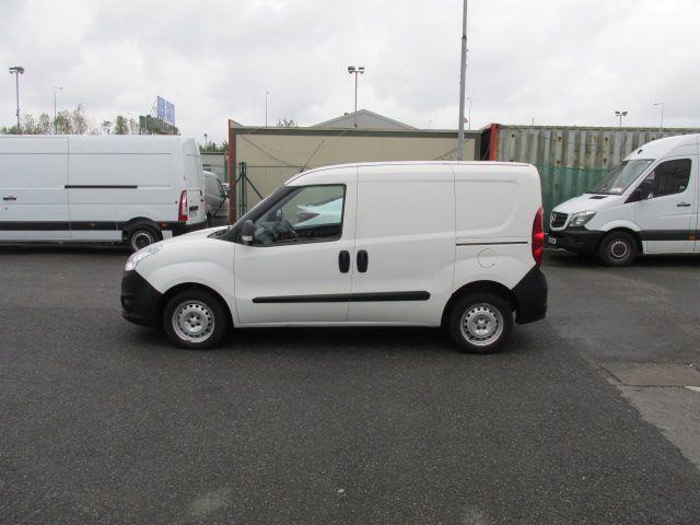 2015 Vauxhall Combo 2000 L1H1 CDTI (152D23460) Image 4