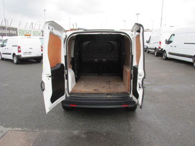 2015 Vauxhall Combo 2000 L1H1 CDTI (152D23460) Image 10