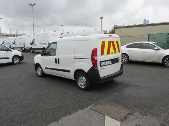 2015 Vauxhall Combo 2000 L1H1 CDTI (152D23460) Image 5