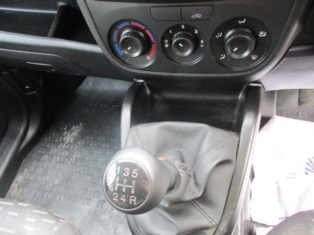 2015 Vauxhall Combo 2000 L1H1 CDTI (152D23461) Image 15