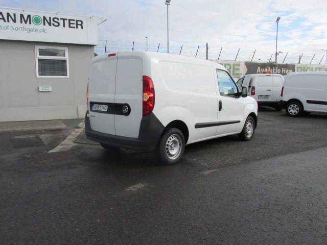 2015 Vauxhall Combo 2000 L1H1 CDTI (152D23461) Image 3