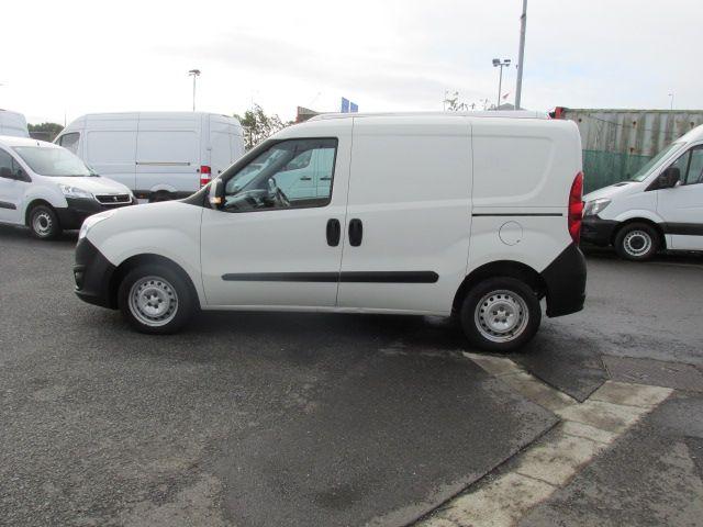 2015 Vauxhall Combo 2000 L1H1 CDTI (152D23461) Image 6