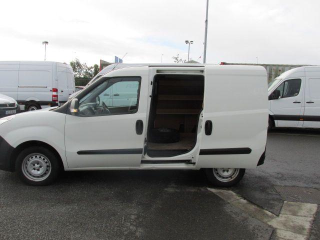 2015 Vauxhall Combo 2000 L1H1 CDTI (152D23461) Image 10