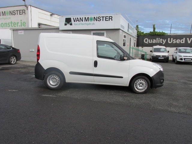 2015 Vauxhall Combo 2000 L1H1 CDTI (152D23461) Image 2
