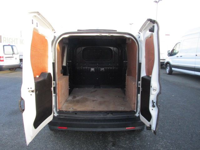 2015 Vauxhall Combo 2000 L1H1 CDTI (152D23463) Image 9
