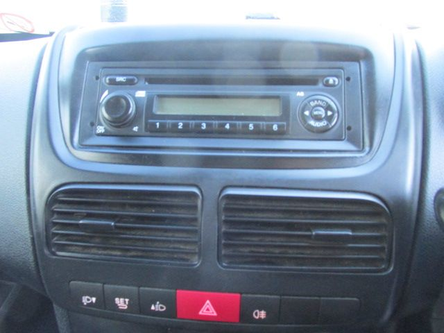 2015 Vauxhall Combo 2000 L1H1 CDTI (152D23466) Image 14
