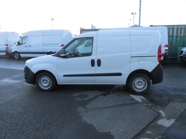 2015 Vauxhall Combo 2000 L1H1 CDTI (152D23466) Image 6