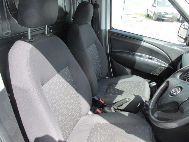 2015 Vauxhall Combo 2000 L1H1 CDTI (152D23469) Image 12