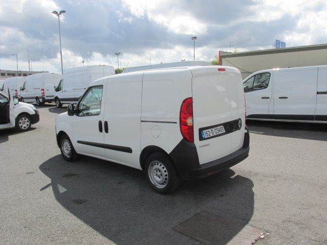 2015 Vauxhall Combo 2000 L1H1 CDTI (152D23469) Image 5