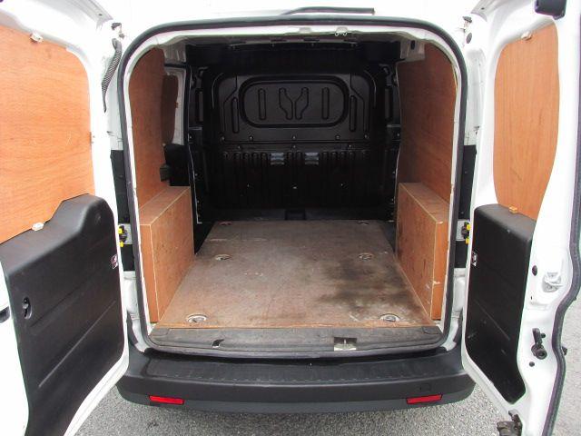2015 Vauxhall Combo 2000 L1H1 CDTI (152D23470) Image 5