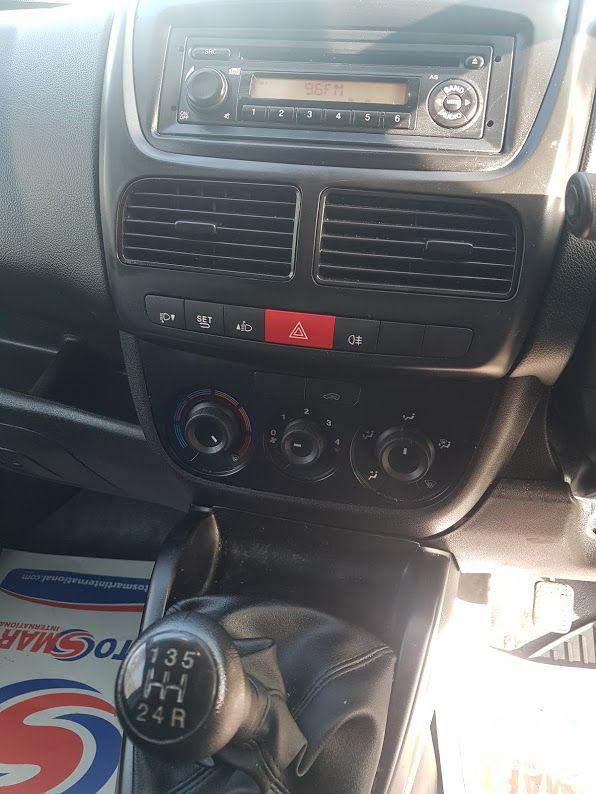 2015 Vauxhall Combo 2000 L1H1 CDTI (152D23475) Image 5