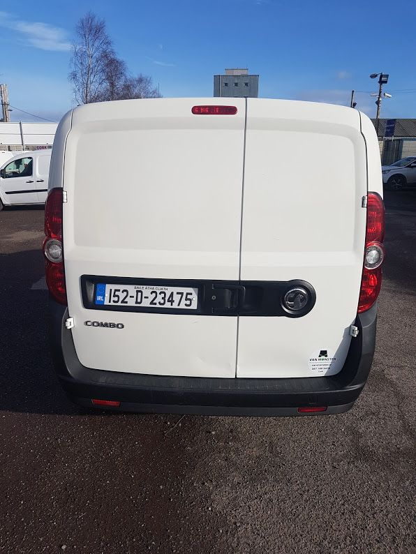 2015 Vauxhall Combo 2000 L1H1 CDTI (152D23475) Image 11