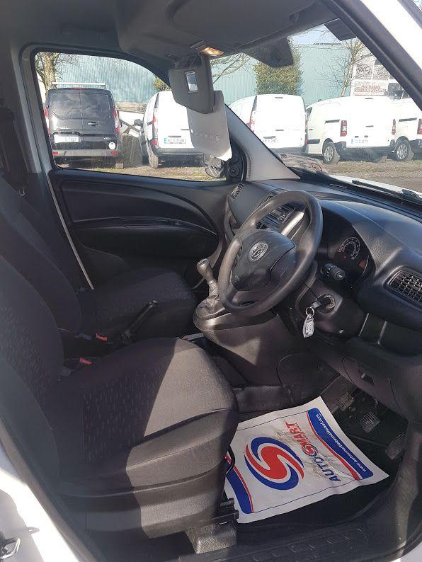 2015 Vauxhall Combo 2000 L1H1 CDTI (152D23475) Image 8