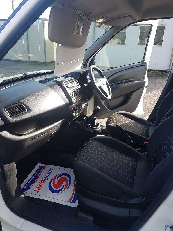 2015 Vauxhall Combo 2000 L1H1 CDTI (152D23475) Image 16