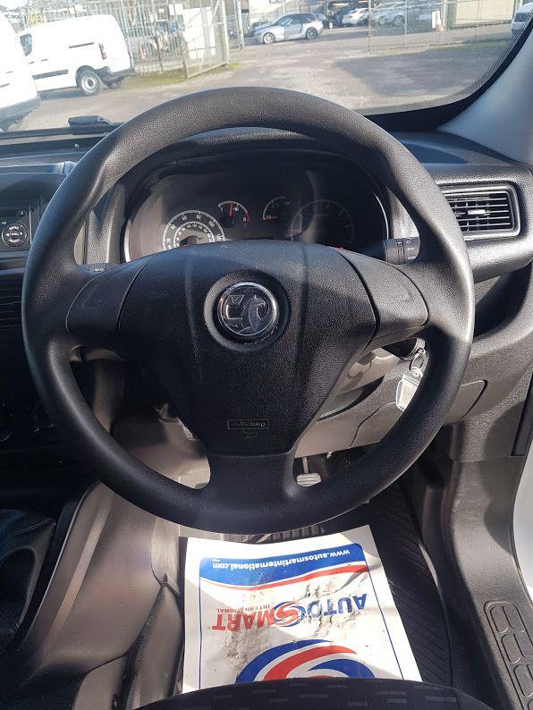 2015 Vauxhall Combo 2000 L1H1 CDTI (152D23475) Image 6