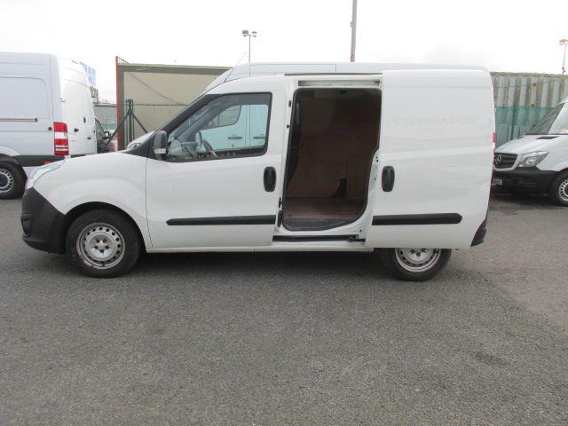 2015 Vauxhall Combo 2000 L1H1 CDTI (152D23482) Image 10