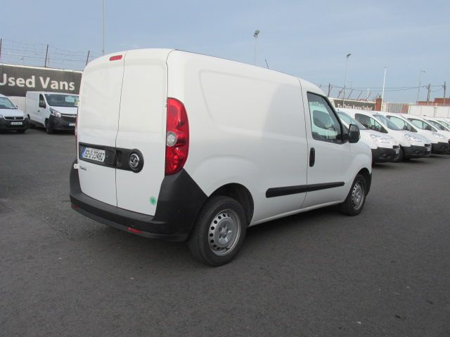 2015 Vauxhall Combo 2000 L1H1 CDTI (152D23482) Image 3
