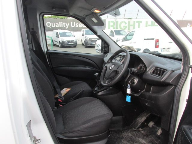 2015 Vauxhall Combo 2000 L1H1 CDTI (152D23482) Image 12