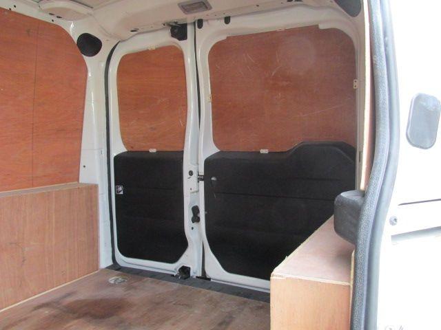 2015 Vauxhall Combo 2000 L1H1 CDTI (152D23482) Image 9
